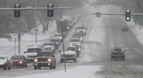 traffic in snow ijworld