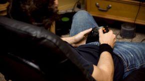 teen video gamer